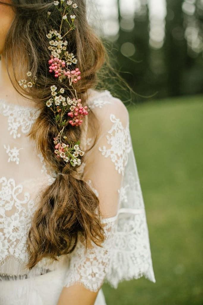Прическа невесты в стиле бохо