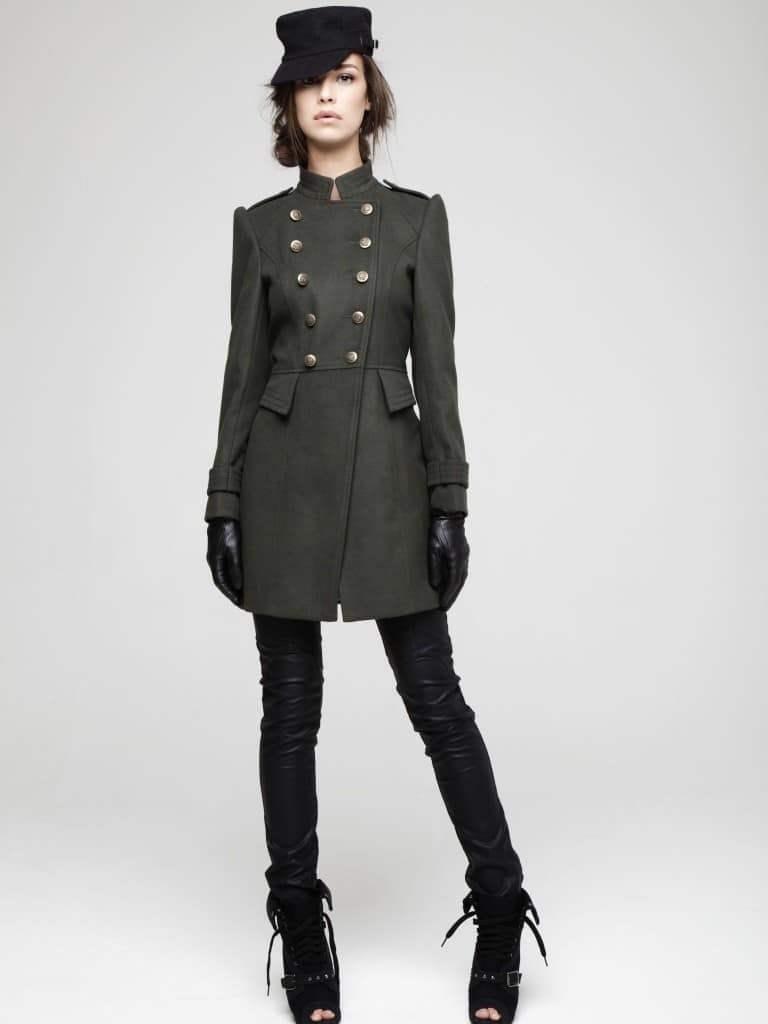Модный жакет в стиле милитари