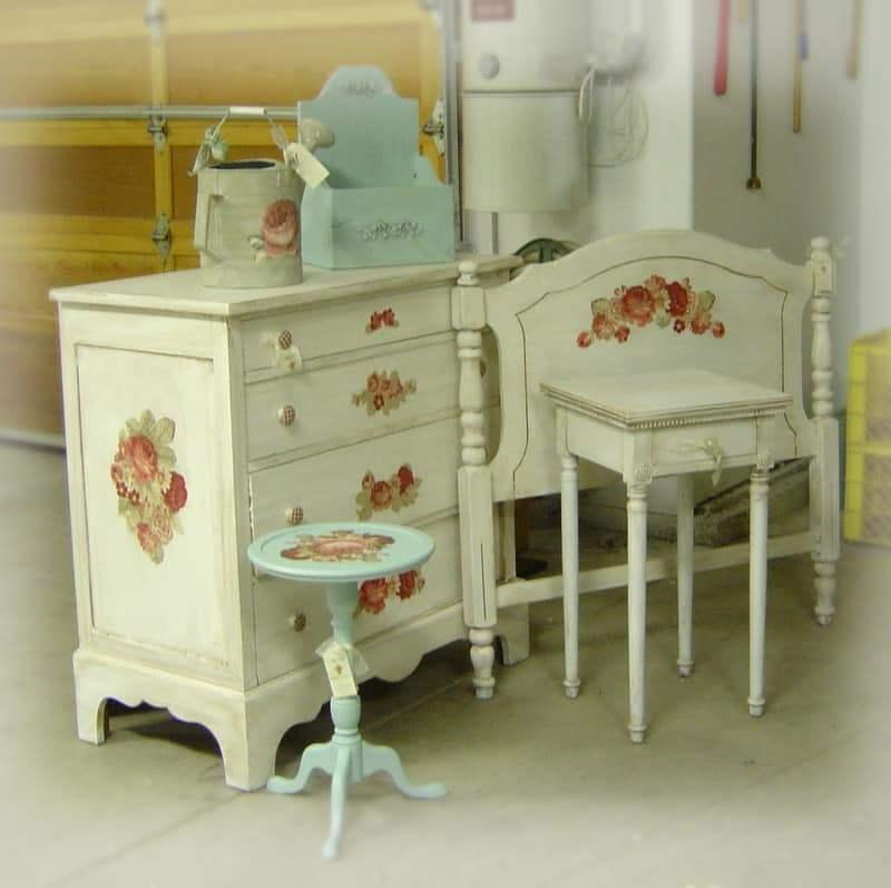 Мебель декорированная
