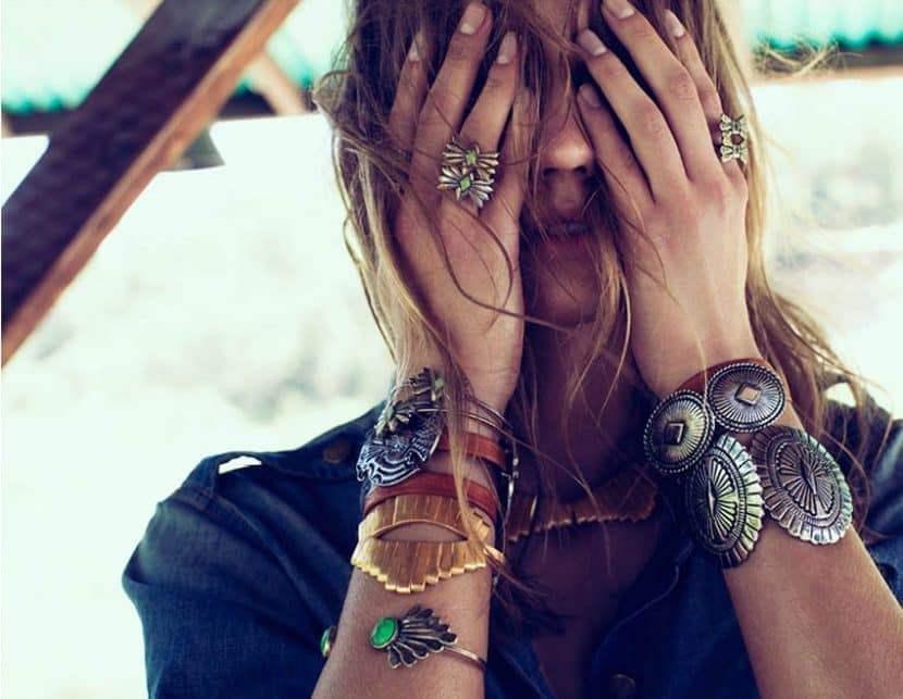украшения и браслеты в стиле бохо