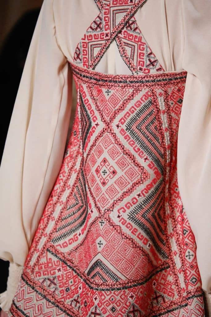 платье с орнамент