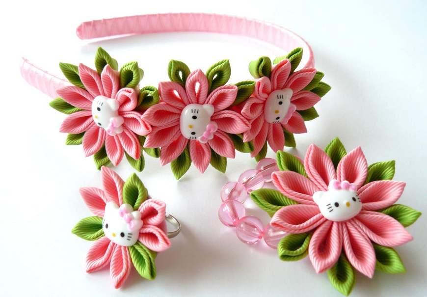 Как сделать цветы канзаши из атласных лент фото 630