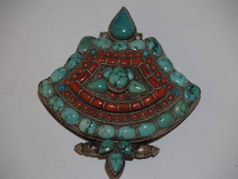 Винтажный медальон