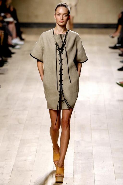 платье-сафари со шнуровкой