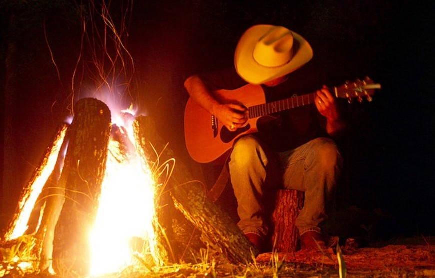 кантри с гитарой