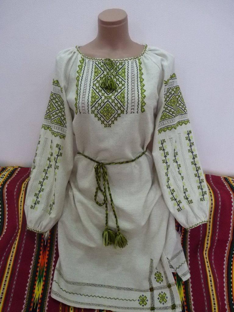 Зеленый украинский орнамент