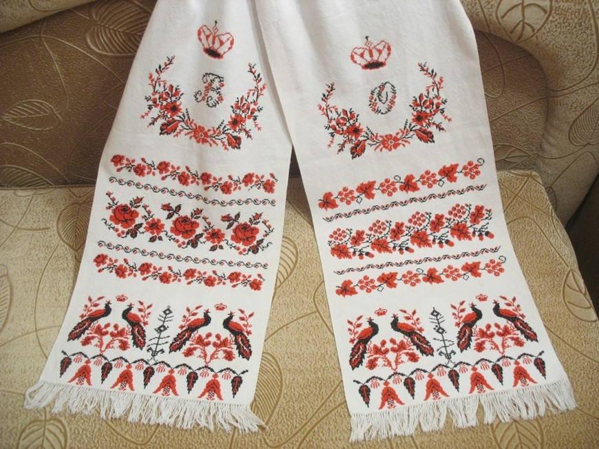 Отличия в узорах на украинском рушнике