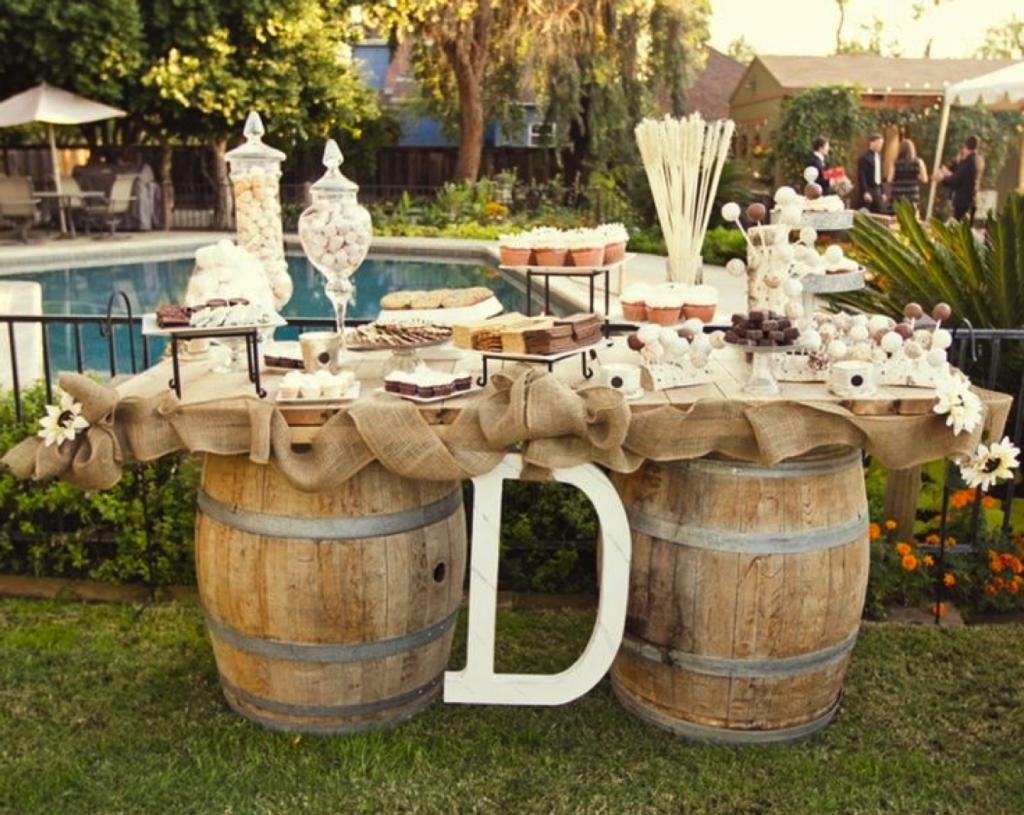 свадьба в стиле рустик-стол