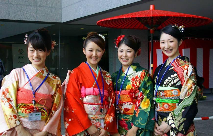 Японское кимоно в современной моде: отличия мужского и женского