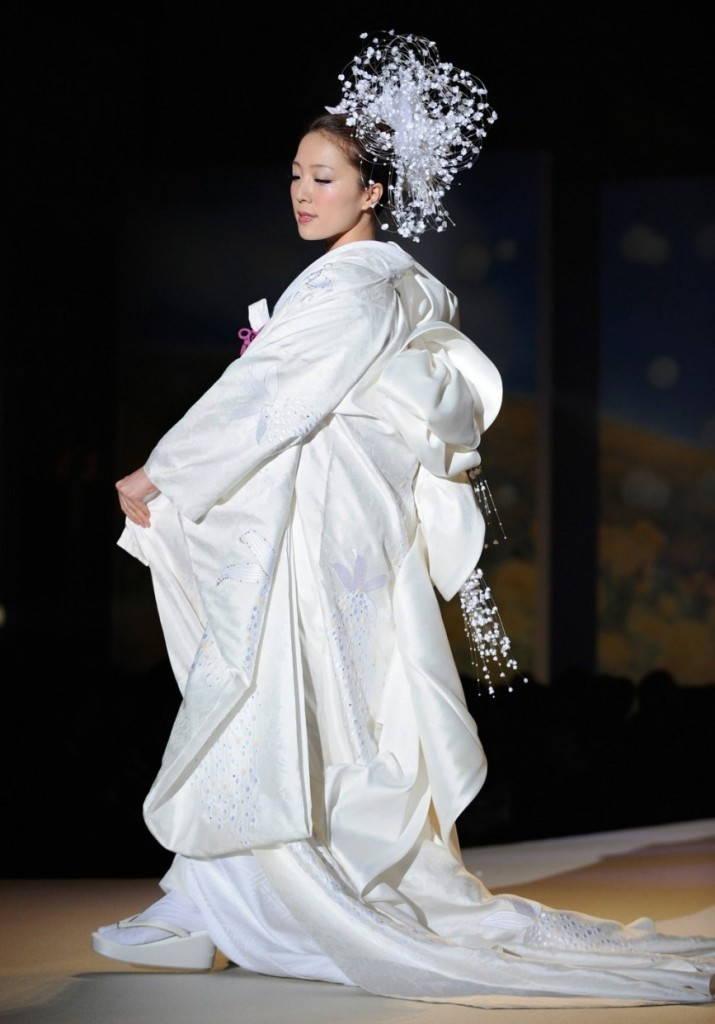 свадебное японское кимоно