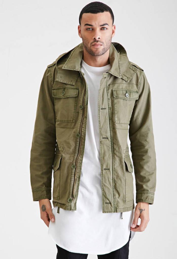 Куртка в милитари стиле