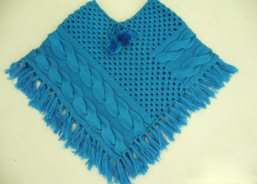 Пончо вязаное спицами для девочки