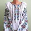 Женская вышиванка с цветами