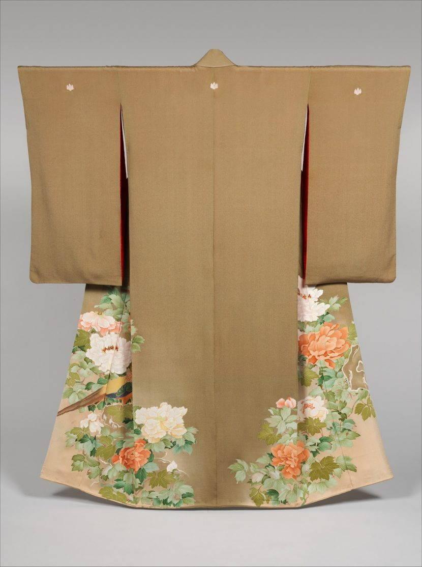 Традиционное кимоно