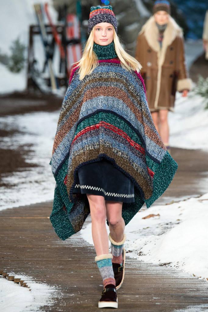 Вязаное пончо