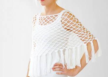Вязаное ажурное пончо