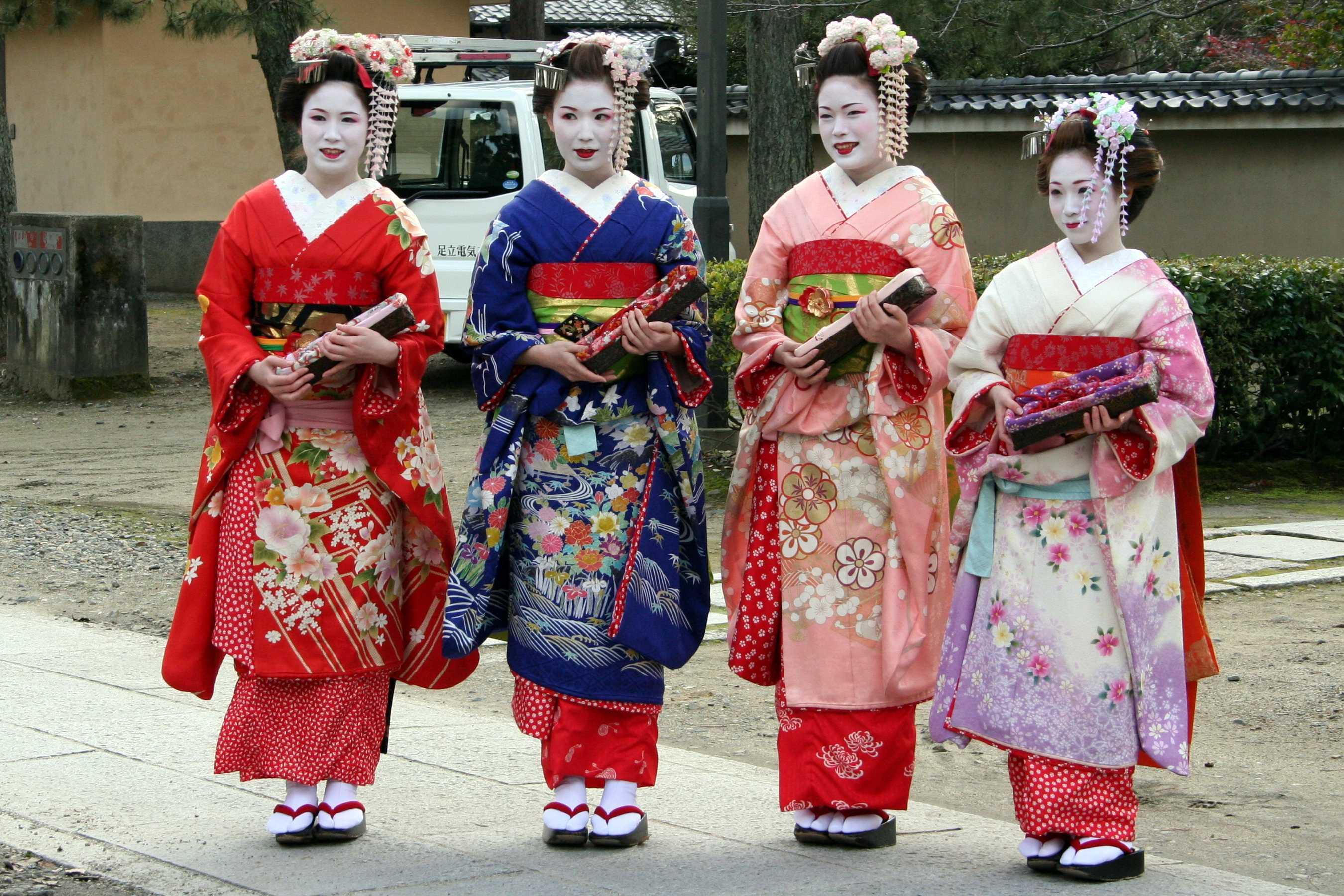 Традиционное кимоно может быть поистине роскошным