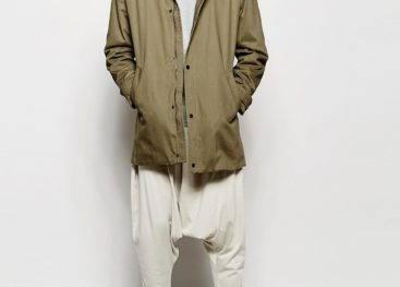 Оригинальные штаны с заниженным шаговым швом