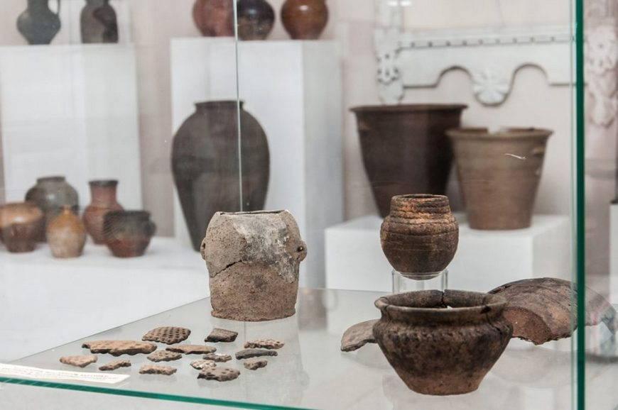 гжель- музейные экспонаты