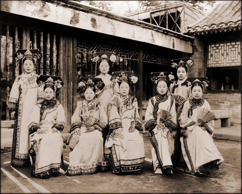 Маньчжурские придворные дамы