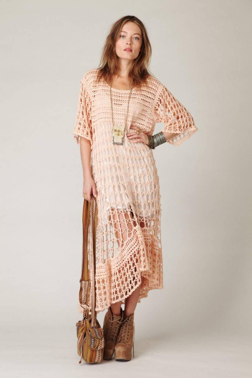 Светлое платье в стиле бохо
