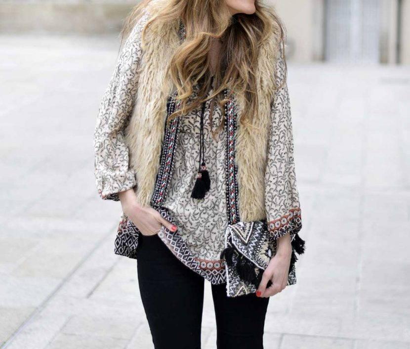меховой жилет и блуза