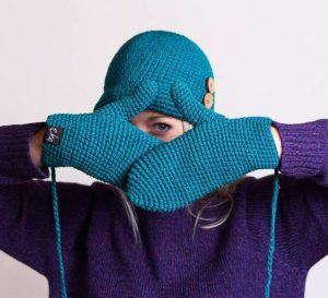 Простые и красивые техники вязания теплых варежек спицами