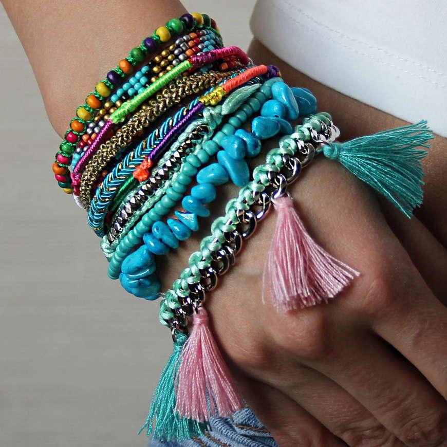 Яркие браслеты