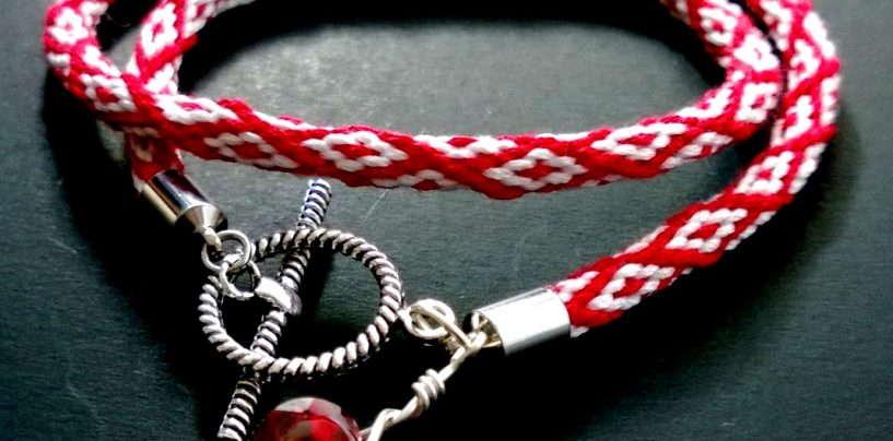 Стильные фенечки кумихимо или как плести круглые браслеты