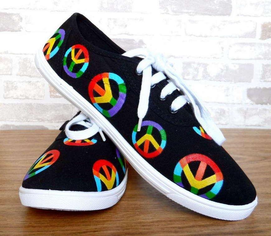 обувь со знаком