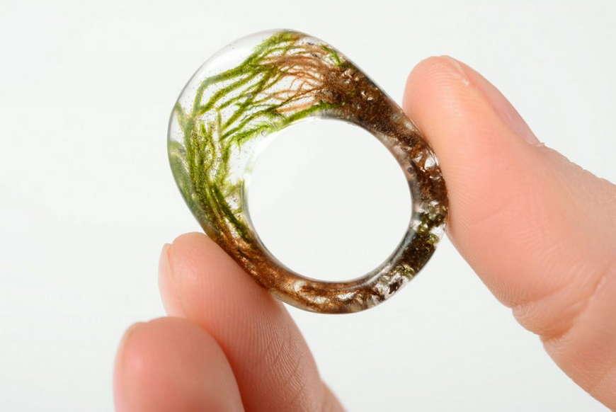 кольцо из смолы