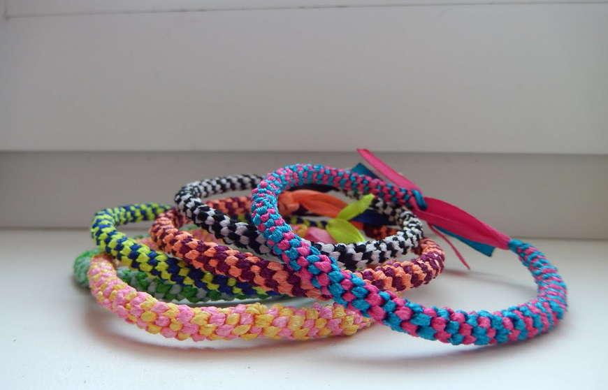 плетение круглой фенечки схема