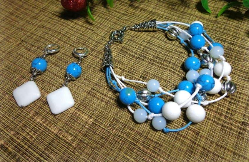 Набор ожерелья и серёжек