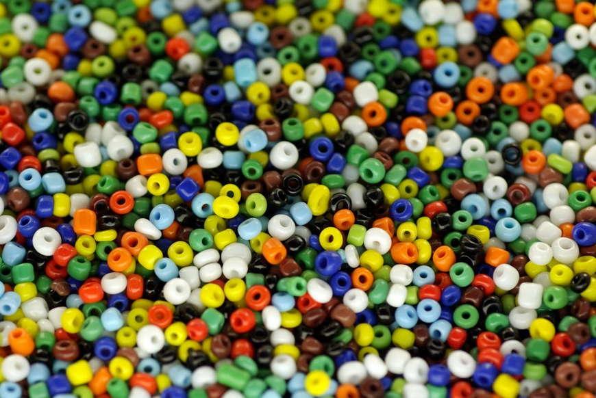 бисер разноцветный