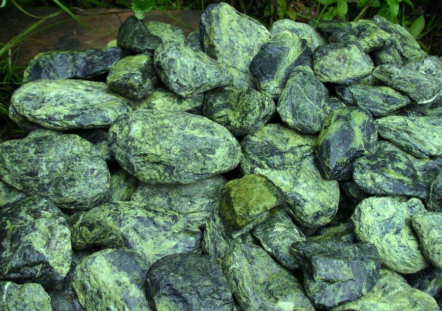 водолей камень оберег
